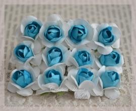 Papieren roosjes turkoois-wit. Per 10
