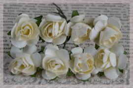 Papieren roosjes lichtgeel. Per 8