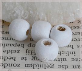 Houten kralen gebroken wit. Per 10