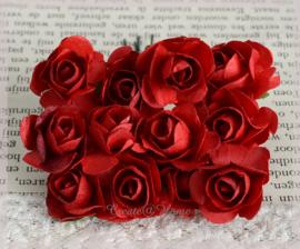 Papieren roosjes rood. Per 10