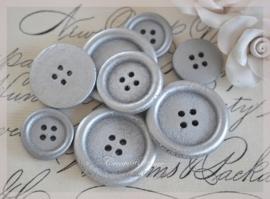 Setje van 9 zilverkleurige houten knopen