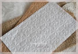 Bewerkte papieren cadeauzakjes, bloem/vlinder. Per 10
