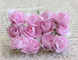 Papieren roosjes roze. Per 10