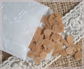 Gegomde kraftpapier muzieknoten in het bruin/wit in een pergamijn/kraft zakje