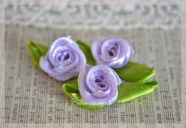 Satijnen roosjes lila