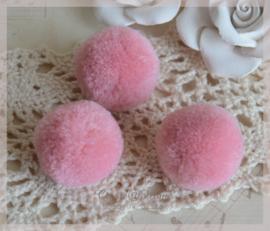 Stoffen pompon balletjes poeder roze. Per 5