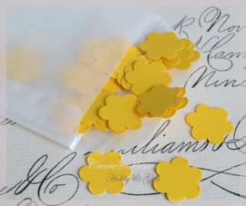 Pergamijn loonzakje gevuld met 100 bloemetjes in vele kleurtjes