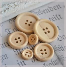 Setje van 6 houten knopen naturel