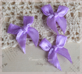 Strikjes satijn lila. Per 10