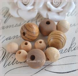 Mix bruine houten kralen. Per zakje