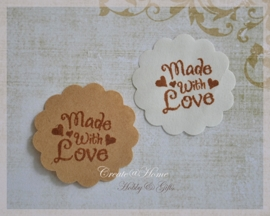 Gegomd kraftpapier met stempel Made with love. Per 10