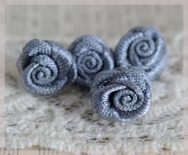 Satijnen roosjes grijs. Per 10