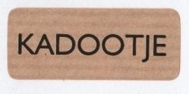 Kraft stickers Kadootje. Per 10