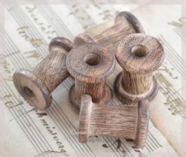 Mini houten klosjes. Per stuk