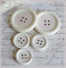 Houten knoopjes wit/lichtroze. Per 2