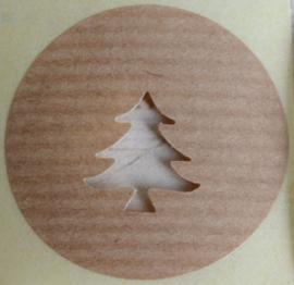 Kraft stickers rond met uitgesneden kerstboom. Per 10