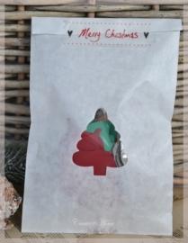 Bruine of witte kraft zakjes kerstbal/boom met cellofaan zakje. Per 10