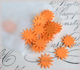 Pergamijn loonzakje gevuld met 100 zonnetjes in vele kleurtjes