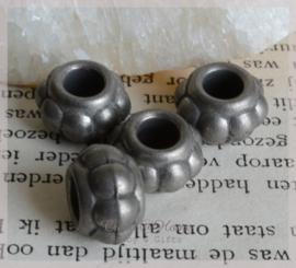 Metal look antiek mat zilver. Per 10