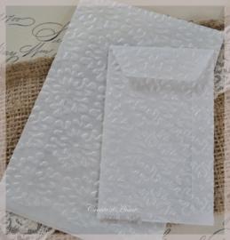 Bewerkte pergamijn loonzakjes, sneeuwvlokken. Per 10