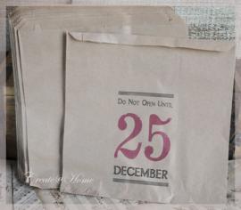 Papieren kraft hangzakjes Do not open..... Per 10