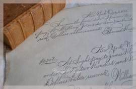 Oude documenten met sierlijk handschrift. Per stuk