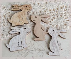 Houten konijntjes. Per 3