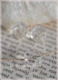 Facet glaskralen rond kristal. Per 10