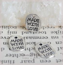 Bedeltjes metaal Made with love. Per stuk