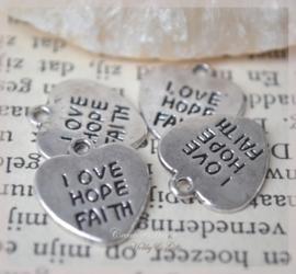Bedel hartjes Love Hope Faith metaal zilver. Per 10