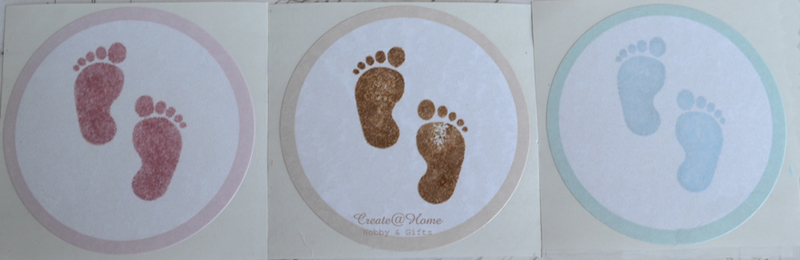 Sticker rond babyvoetjes in 3 kleuren