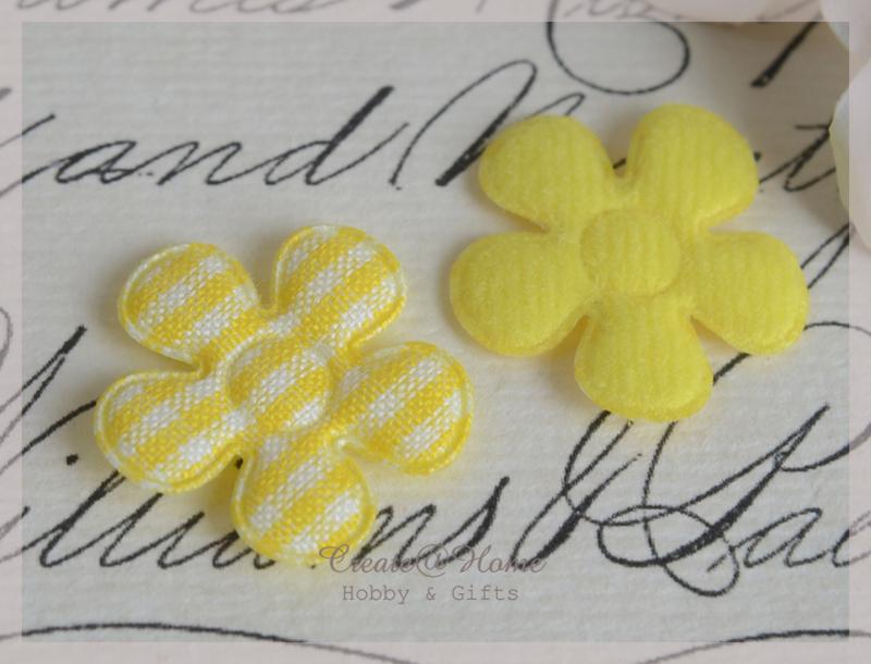 Vilt bloemetjes geel. Per 10