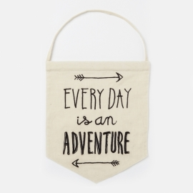 Rex - Tekst vlag: ' Every day is and adventure'