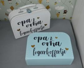 Koffertje 'opa & oma logeerkoffertje'