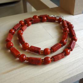 ketting van rode jaspis