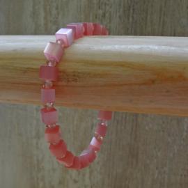 armband van roze cat eye blokjes