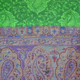 sjaal groen met ingeweven randen