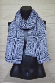 sjaal wit met zwarte figuurtjes
