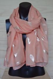 sjaal perzikkleur met veertjes