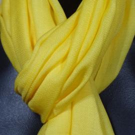 Sjaal in geel, 50% wol