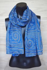 sjaal blauw met figuurtjes