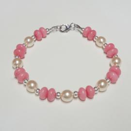 Armband van rozenkwarts, glasparels en zilveren kraaltjes