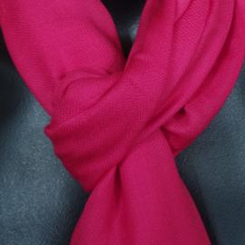 Sjaal in frambozenrood, 50% wol