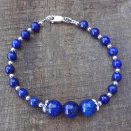 Armband van lapis lazuli en zilveren kralen