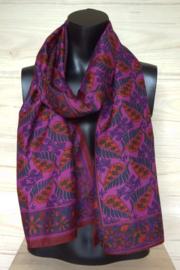 zijden sjaal in rood met blaadjes