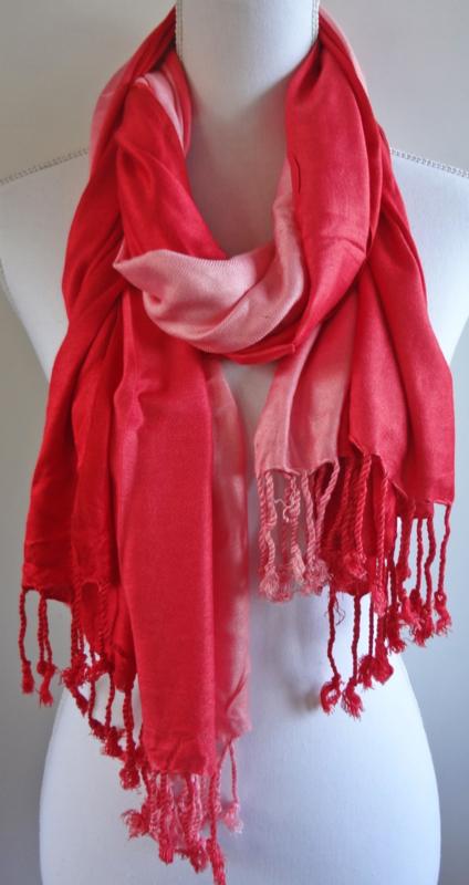 Sjaal met kleurverloop in rood