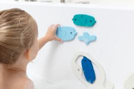 Bath puzzle whales - Quutopia