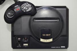 Sega Mega Drive + 6 Button Controller