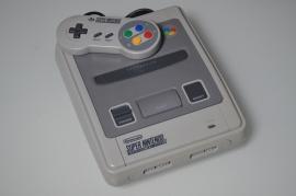 SNES Super Nintendo Console + 1 Controller