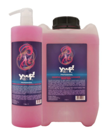 YUUP! Black Revitalizing and Glossing Shampoo (Professional) - Zwarte & Donkere Vachten 1L of 5L